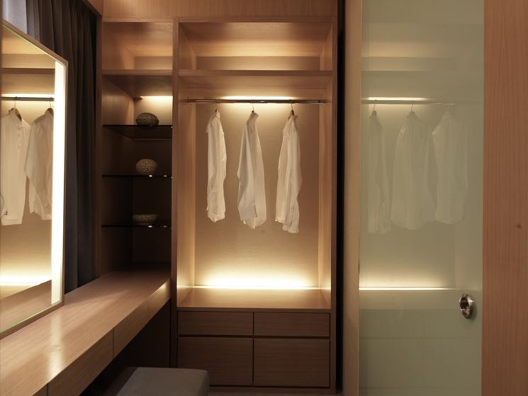 Awesome illuminazione cabina armadio ideas - Cabine armadio idee ...