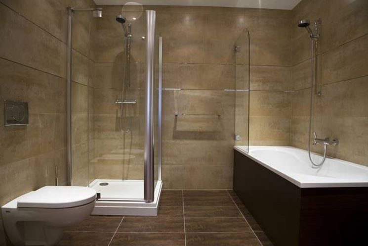 Posa piastrelle bagno il fai da te in bagno come for Small bathroom ideas hdb