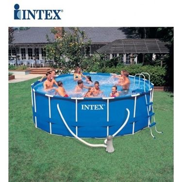 Piscina fuori terra autoportante di Intex
